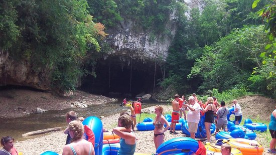 Cave Tubing with Vitalino Reyes: Getting ready for the caves