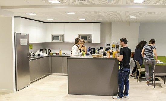 ROOM018BCN: Kitchen