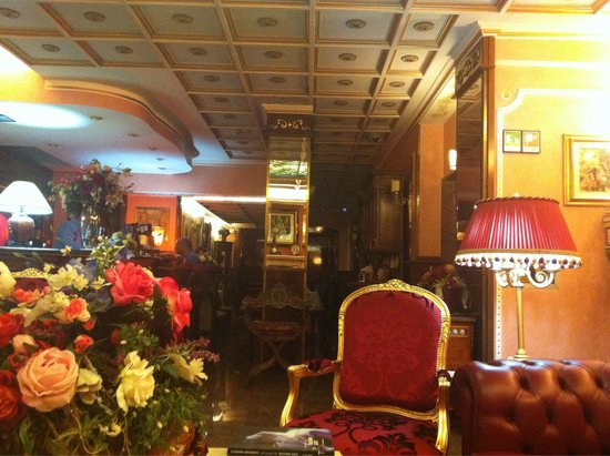Hotel Vittoria: Bar and breakfast area