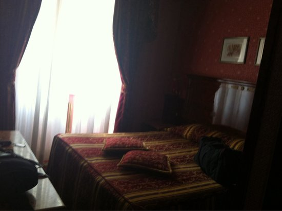 Hotel Vittoria: Room