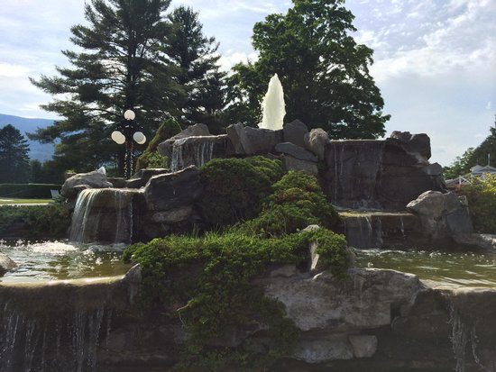 Palmer House: Waterfall Scape