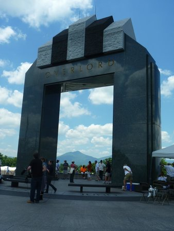 National D-Day Memorial : The grand arch.