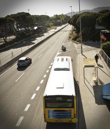 bus stop - picture of camping estrella de mar, castelldefels