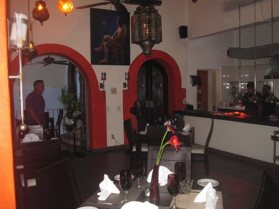 Taste Restaurant at Casa Cupula: Indoor dining and kitchen at Taste