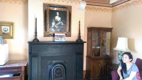 17 Hundred 90 Inn: Sitting room