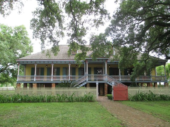 Tours by Isabelle: Laura Plantation