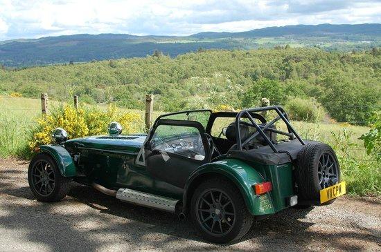 Highland Caterham Hire: 560kg 140 bhp no radio/no airco needed  :)))))
