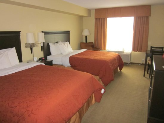Country Inn & Suites By Carlson, Niagara Falls, ON : comfortable beds
