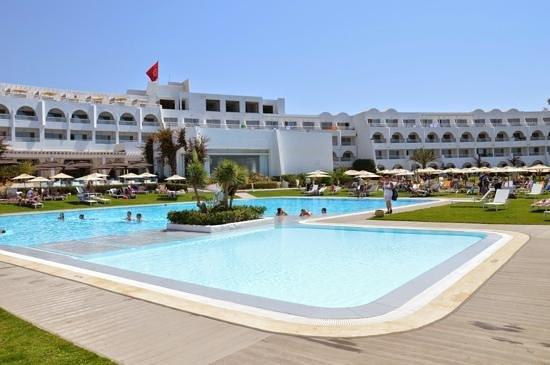 SENTIDO Le Sultan : piscine