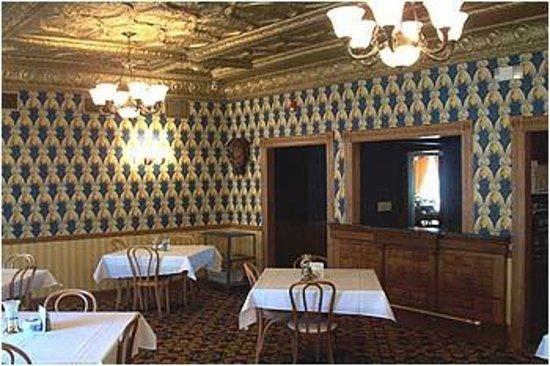 Brookville Hotel Restaurant : Opera Room
