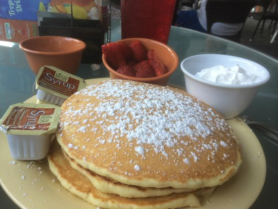 Guy Harvey Outpost, a TradeWinds Beach Resort : Pancake Breakfast (they offer whipped cream on EVERYTHING)