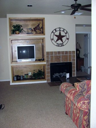 Flying L Hill Country Resort: One Bedroom Suite