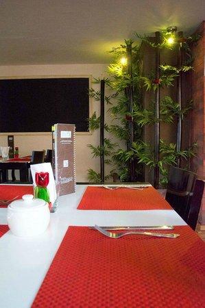 Centro 19 Hotel: Zona de mesas
