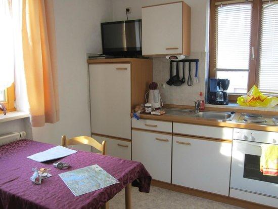 Haus Bagci: kitchen