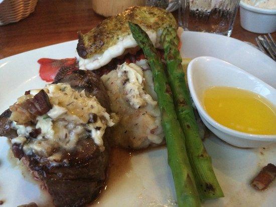 Keoki's Paradise: Steak and Lobster