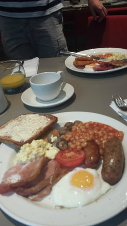 Novotel London Heathrow : Part of the buffet Breakfast