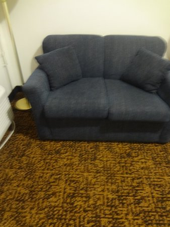 "Comfort Inn : ""Loveseat"" in ""SUITE"""