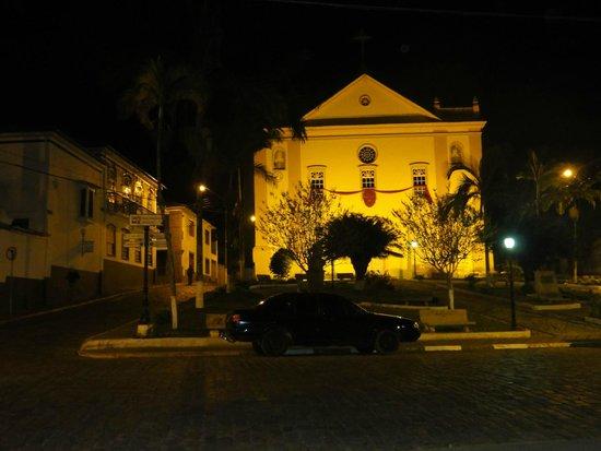 Bananal, SP: Visão noturna.