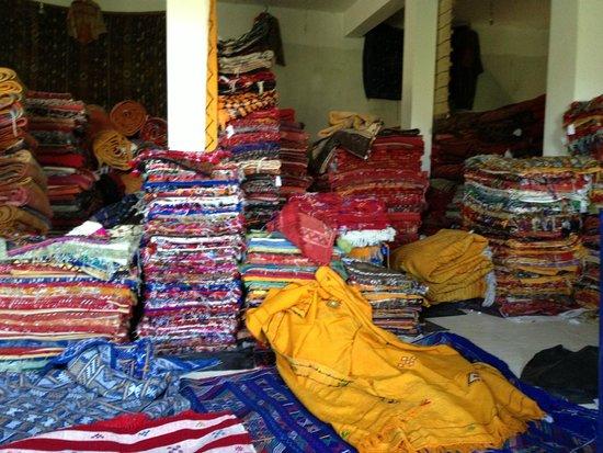 Hotel Almas: marchand tapis route eurika
