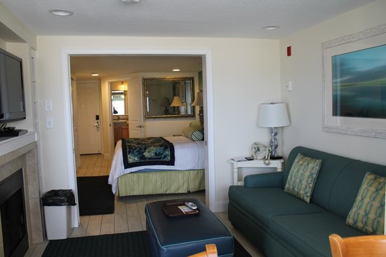 Ocean Club On Smugglers' Beach: Room from window/kitchen end