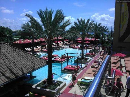 Golden Nugget Biloxi: Beautiful pool