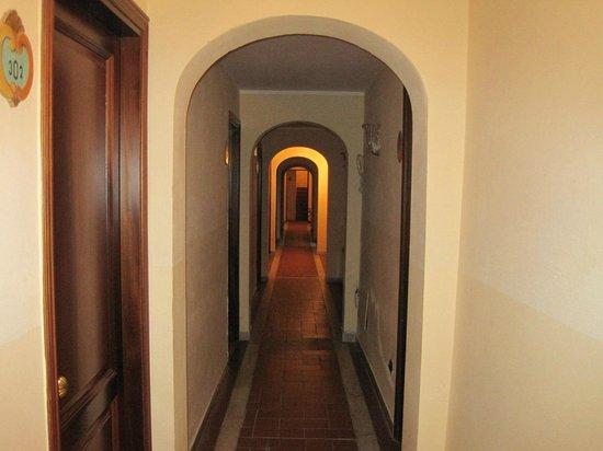 Hotel Villa Stanley: Hotel hallway