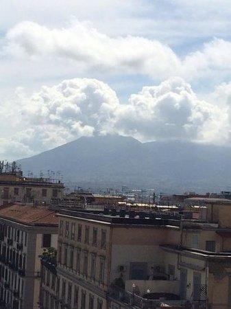 UNA Hotel Napoli: Вид с крыши
