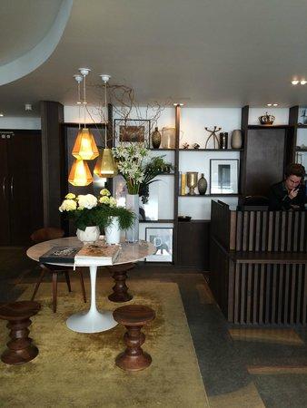 La Villa Saint-Germain: the lobby