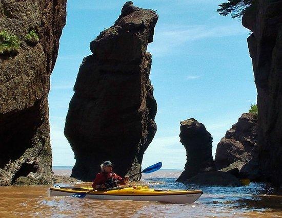 Baymount Outdoor Adventures: Weaving througt the rock formations