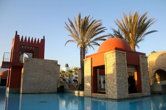 Sofitel Agadir Royal Bay Resort : view of some of the pool area