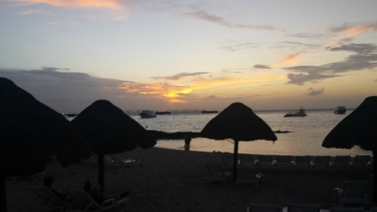 Grand Park Royal Luxury Resort Cozumel : Sun Set 3