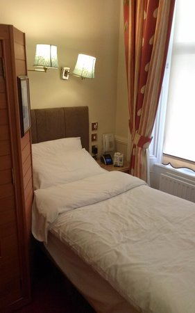 Roxford Lodge Hotel: the single bed