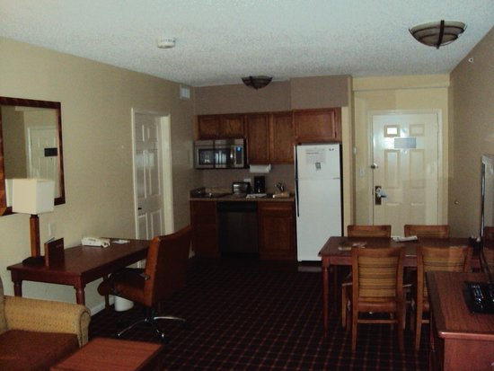 Homewood Suites by Hilton San Antonio - Riverwalk / Downtown: Stocked Kitchen in Room 900