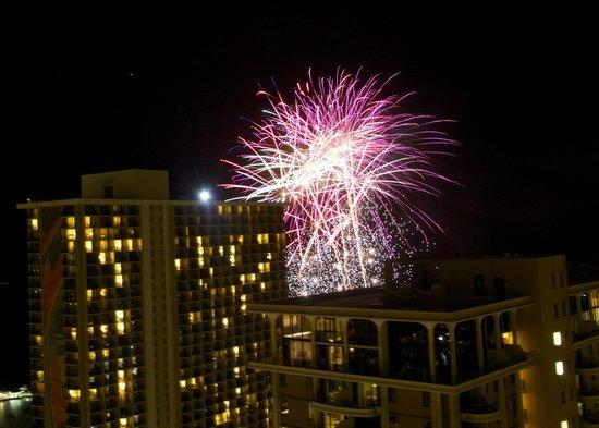 Grand Waikikian by Hilton Grand Vacations: Friday night fireworks were amazing