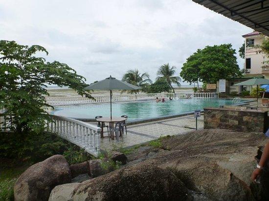 Bintan Agro Beach Resort: Pool view