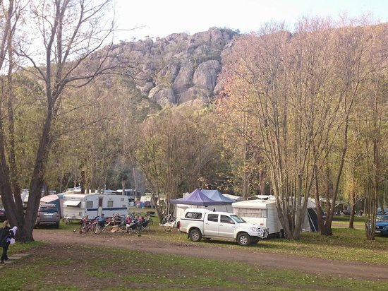 Halls Gap Lakeside Tourist Park: View from the centre of the caravan park