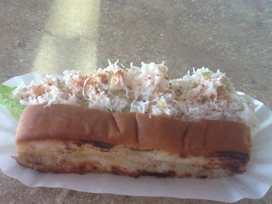 Captain Bob's Chowder : Refreshing Crab Roll