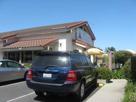 Thai Orchid Restaurant: from the parking lot