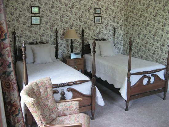 Hillsdale House Inn: A refreshing sleep for two