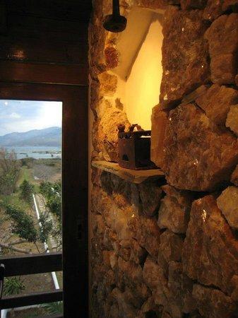 Oasis Taverna: wall