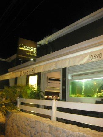 Ocean 82 : Gorgeous outside