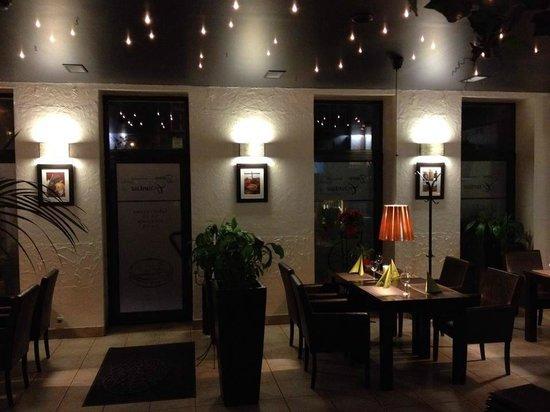 Zaklety Czardasz Restaurant : Nasza sala wejściowa.