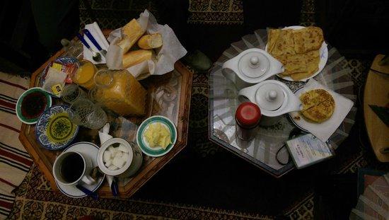 Riad Rifandalus Hotel: Desayuno en la habitación