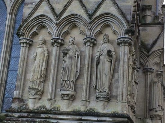 Salisbury Cathedral and Magna Carta: On the facade
