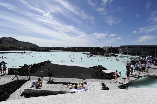 Blue Lagoon Iceland : The spa from the upper deck