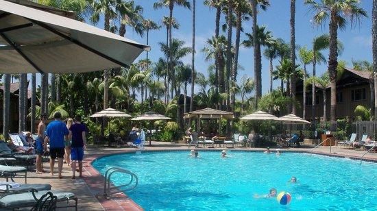 Humphreys Half Moon Inn & Suites : Pool area