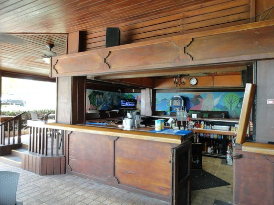 The Palms at Pelican Cove: The bar area, looking inward.