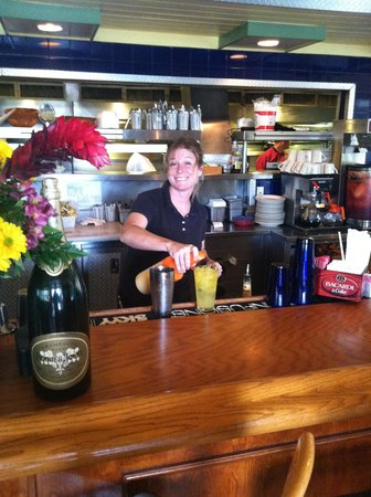 Juno Beach Fish House: Best Bartender in Town!