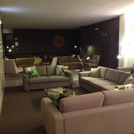 Ozadi Tavira Hotel: Sala de estar