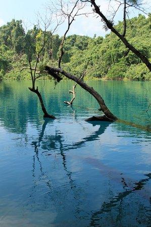 Ratua Private Island : Blue Hole